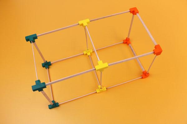 Gemaakt-in-de-klas-3D-ontwerpen-lessen-kubus-Maakotheek.jpg