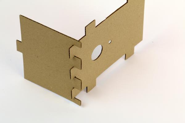 Maakbox-Boomhut-03-techiek-onderzoeken-ontwerpen-verbinding.png